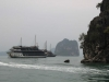 Ankerndes Boot in der Halong Bay