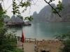 Blick von einer Insel in der Halong Bucht