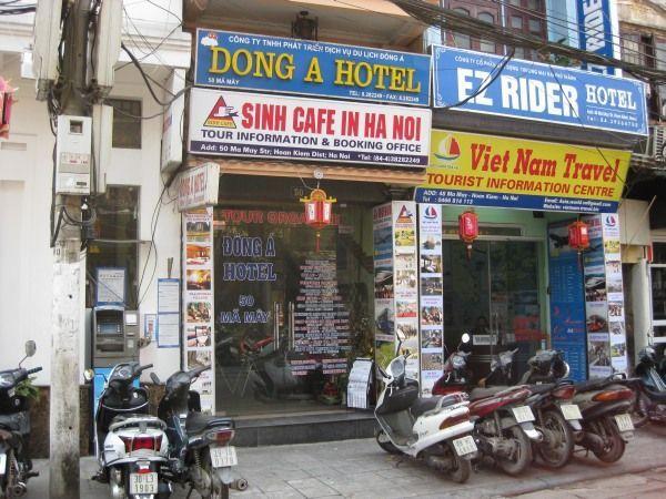 Sinh Cafe in Hanoi
